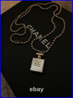 Free Shipping! Vintage Chanel No. 5 Perfume Bottle Gold tone Necklace Rare