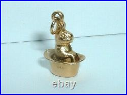 Vintage 14k Yellow Gold 3d Bunny Rabbit In A Hat Charm
